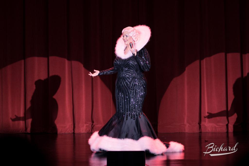 World Famous *BOB* at the Burlesque Hall of Fame Weekend 2016. Copyright: John-Paul Bichard
