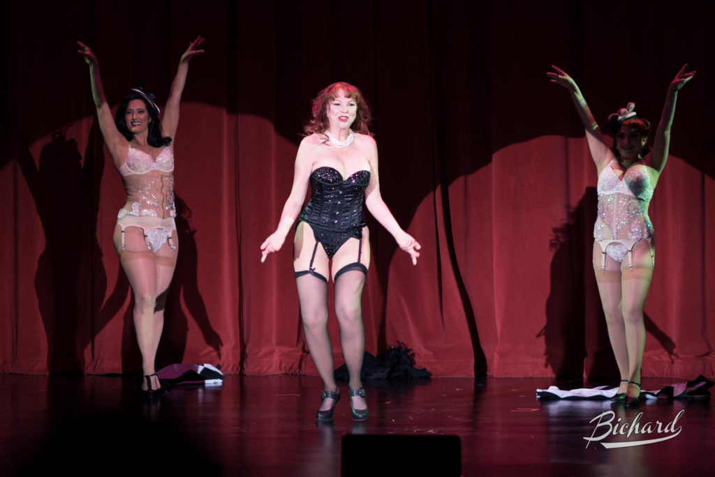 Lovey Goldmine at the Burlesque Hall of Fame Weekend 2016. Copyright: John-Paul Bichard