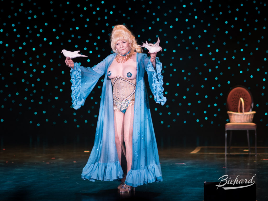 Dusty Summers at the Burlesque Hall of Fame Weekend 2016. Copyright: John-Paul Bichard