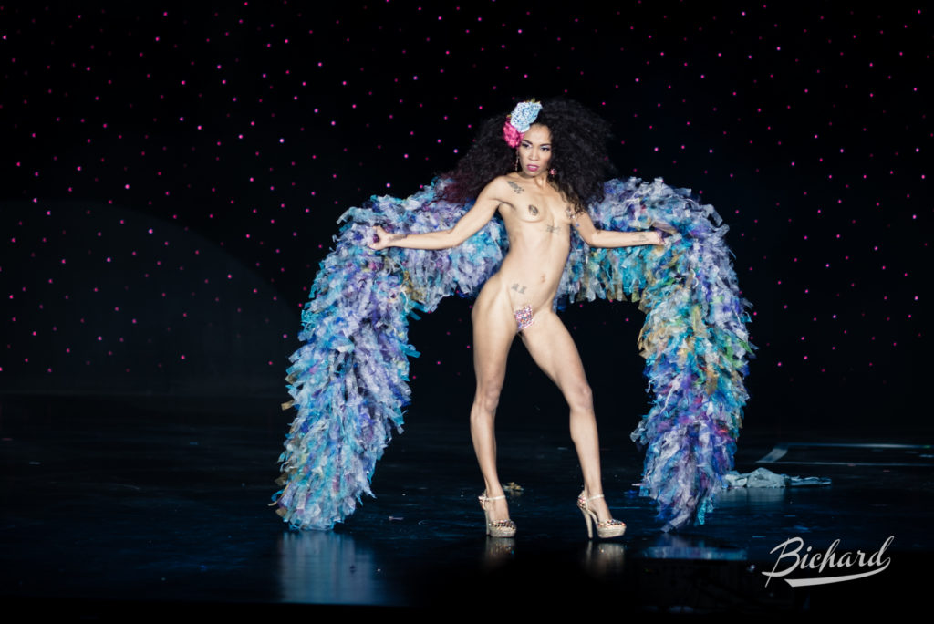 Jeez Loueez at the Burlesque Hall of Fame Weekend 2016. Copyright: John-Paul Bichard