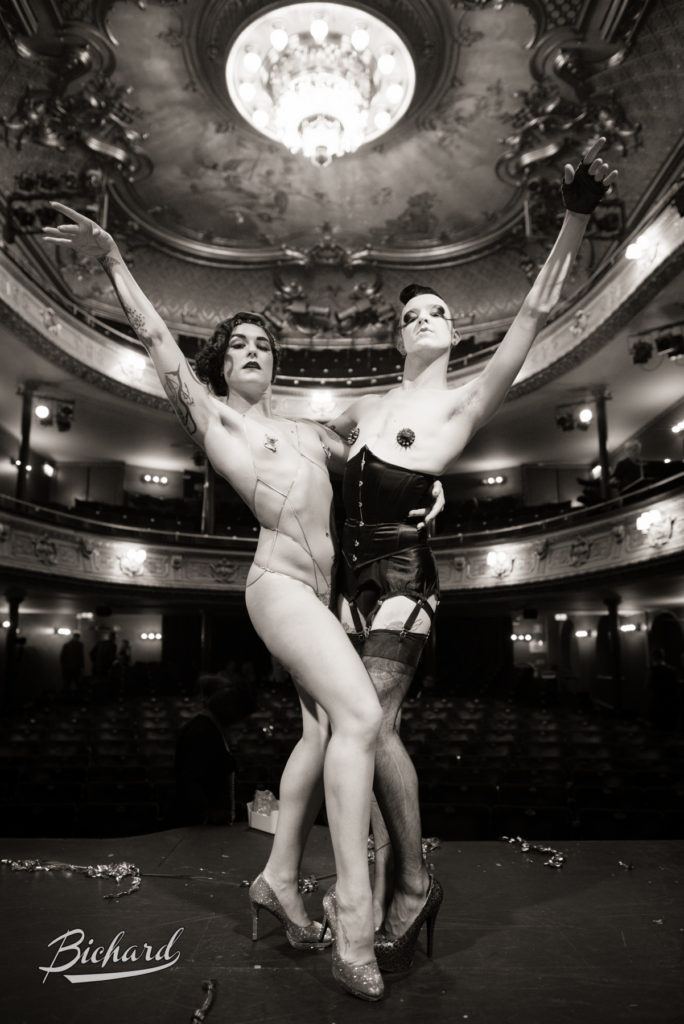 Headliners Lola Frost and Raven at the Stockholm Burlesque Festival 2015. Image copyright Jean Paul Bichard.
