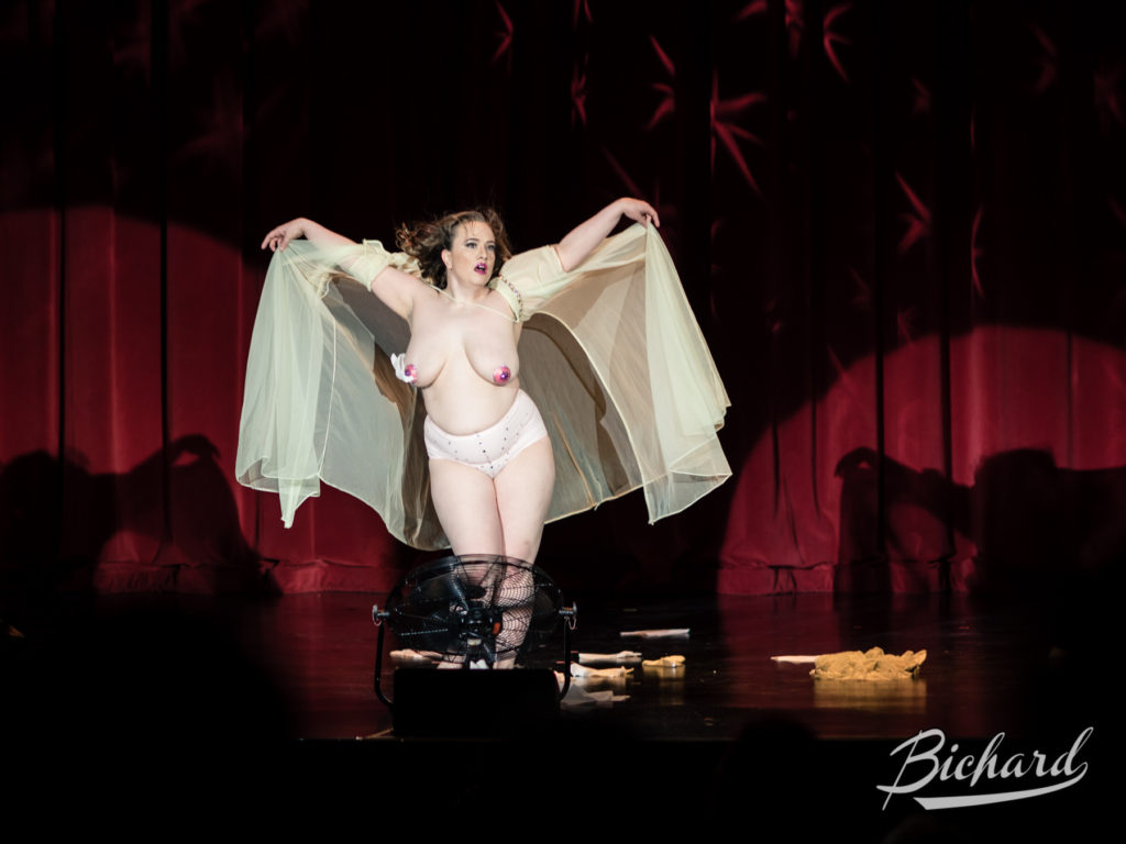 What Surname in the Movers, Shakers and Innovators showcase at the Burlesque Hall of Fame Weekend 2016. Image copyright John-Paul Bichard.