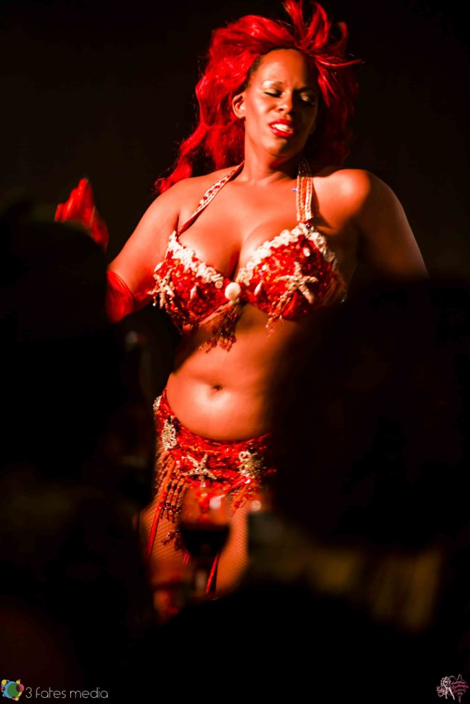 Caramel Knowledge at the Australian Burlesque Festival 2016. Image copyright 3 Fates Media