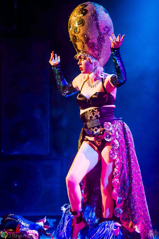 Imogen Kelly at the Australian Burlesque Festival 2016. Image copyright 3 Fates Media