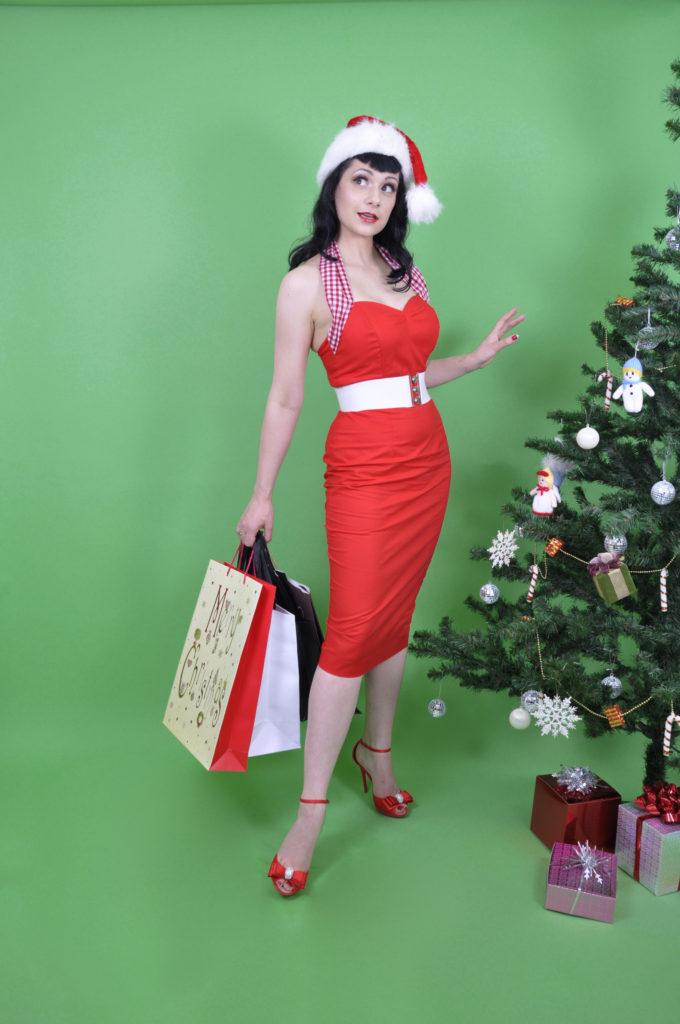 Burlesque star Anna Fur Laxis modelling Vivien of Holloway.