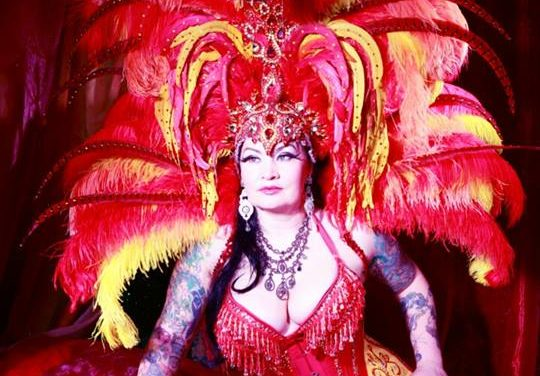 Raven Noir: Burlesque in the Blood