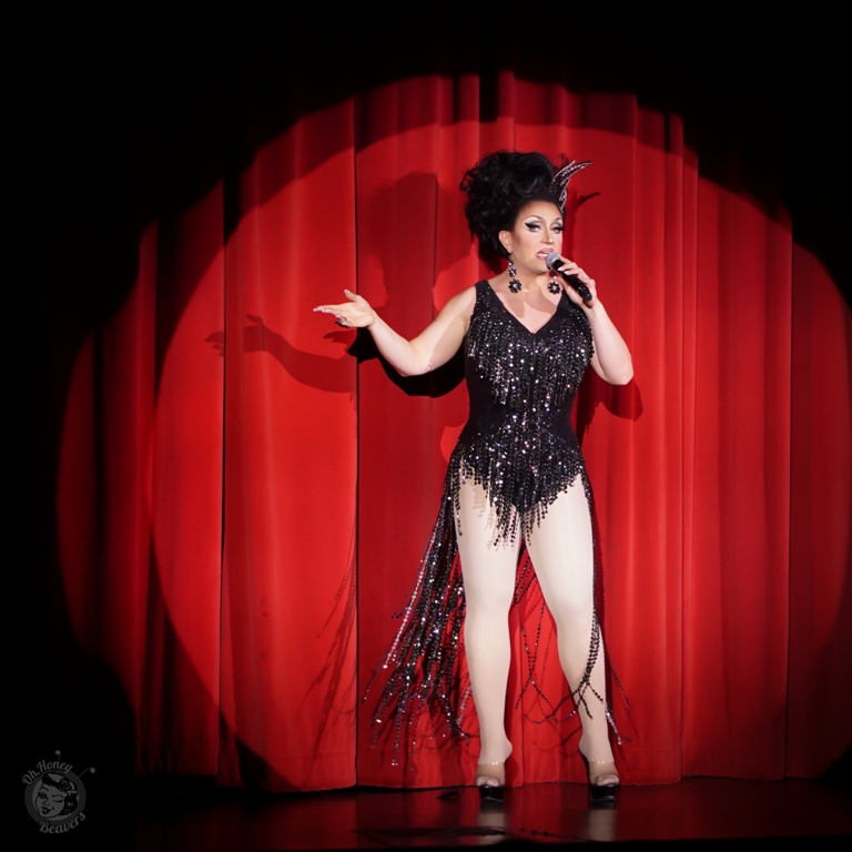 BenDeLaCreme hosts the Icons and All Stars Showcase at the Burlesque Hall of Fame Weekend 2017. Image by Honey Beavers, exclusively for 21st Century Burlesque Magazine