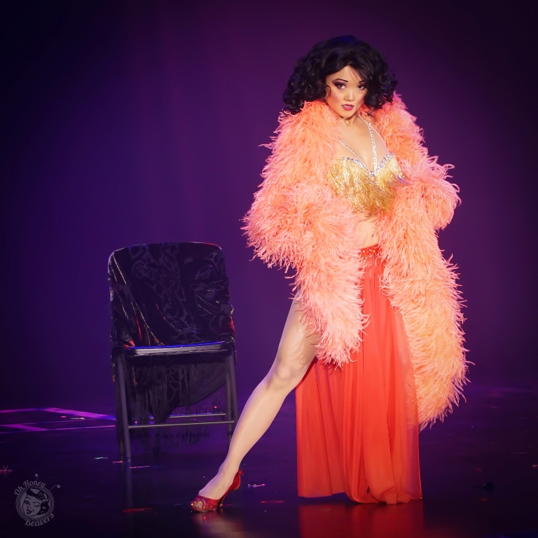 Midnite Martini in the Icons and All Stars Showcase at the Burlesque Hall of Fame Weekend 2017. Image by Honey Beavers, exclusively for 21st Century Burlesque Magazine