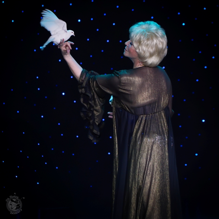 Dusty Summers in the 60th annual Titans of Tease Burlesque Reunion Showcase at the Burlesque Hall of Fame Weekend 2017. Image by Honey Beavers, exclusively for 21st Century Burlesque Magazine