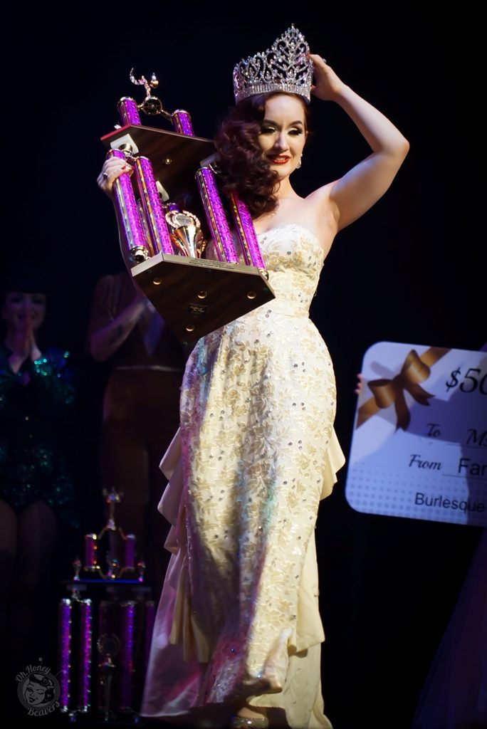 Medianoche is crowned Miss Exotic World, Reigning Queen of Burlesque 2017 at the Burlesque Hall of Fame Weekend 2017. Image by Honey Beavers, exclusively for 21st Century Burlesque Magazine