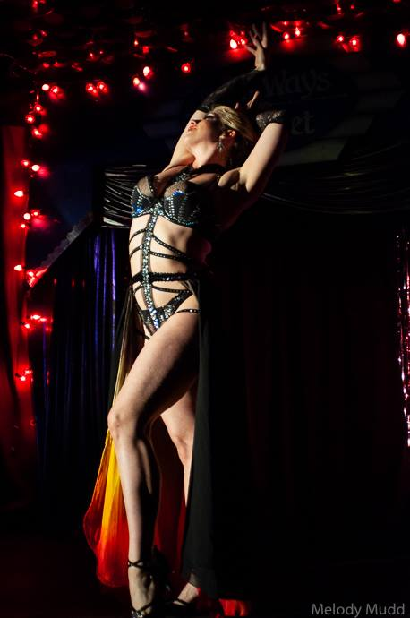 Gaea Lady at the Crescent City Burlesque Weekender, by Melody Mudd.
